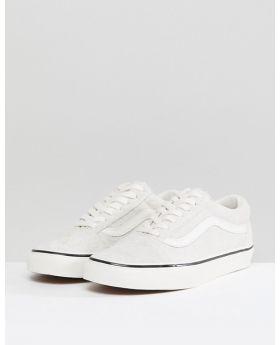 حذاء فانز الرياضي